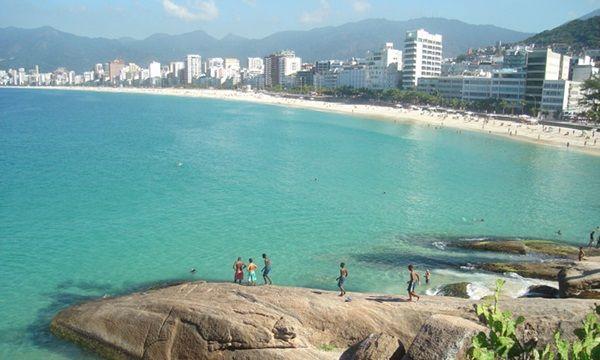 praias-brasileiras-Arpoador