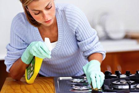 Precisa limpar o forno e o fogão? Veja dicas úteis que a maioria desconhece