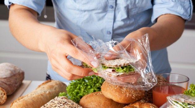 Benefício e risco das embalagem de alimentos