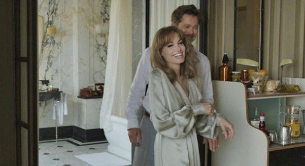 """Filme com Angelina Jolie vai mal em estreia e novo """"007"""" lidera bilheterias novamente"""