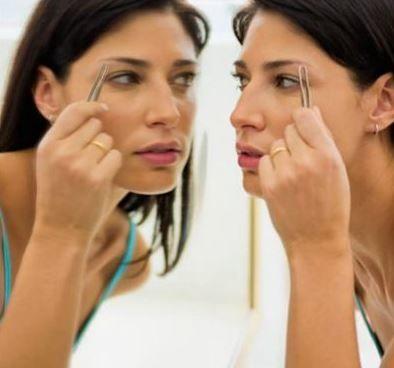 Dicas para consertar as sobrancelha - Tente não fazer sozinha