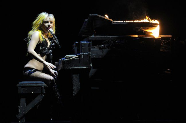 "Lady Gaga – ""Born This Way Ball"""