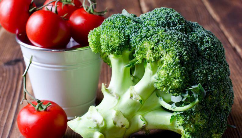 Brócolis e tomates