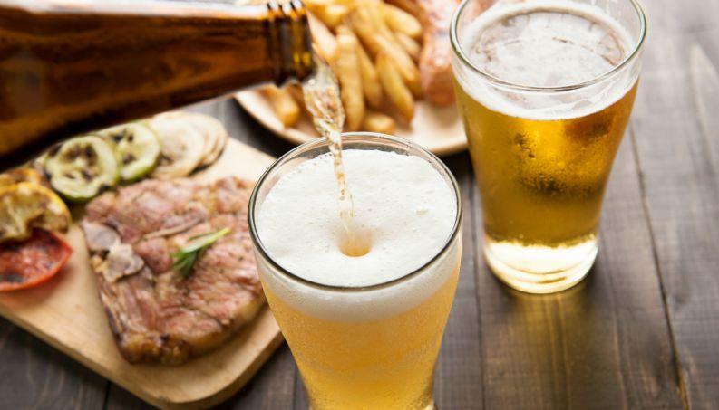 Melhores petiscos para tipos diferentes de cerveja