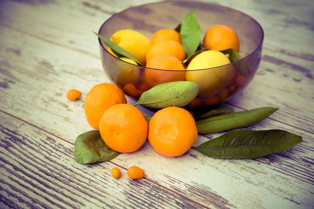6 maneiras de usar limão e laranja para temperar alimentos
